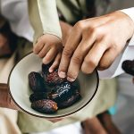 Sharing dates at Ramadan